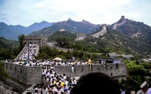 crowded tourists in the Great Wall of China