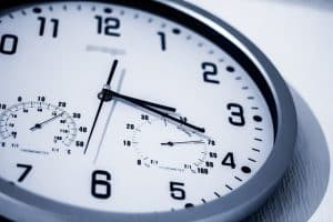 clock face with minutes and hours